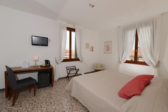 ונציה הקסומה כשרה למהדרין : חבילה הכוללת טיסות ישירות של אל על +3/4 לילות במלון פרדס רימונים כולל ארוחת בוקר כשרה   תאריכים נבחרים בלבד  או מלון סמוך לחבד