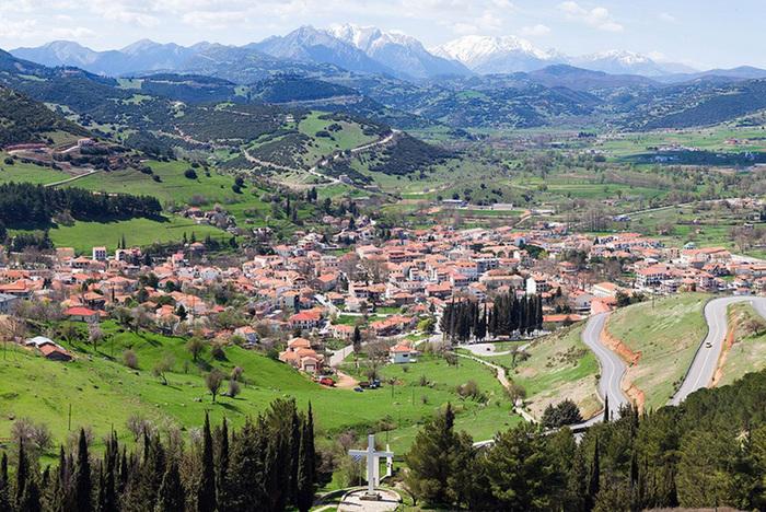 חופשה כשרה למהדרין ביוון בקיץ  חופשה למשפחות בעיירה קלבריטה...